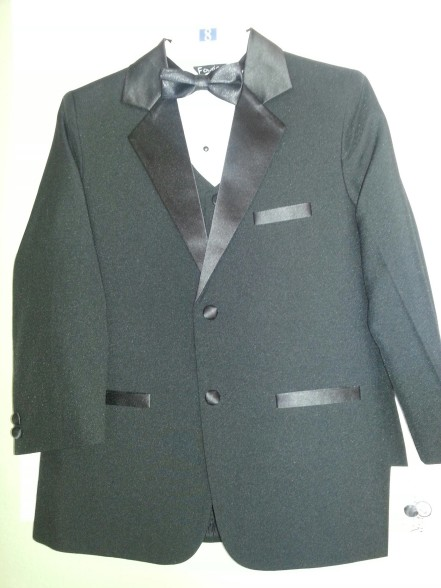 Close-Out Fouger Shawl Tuxedo with Vest
